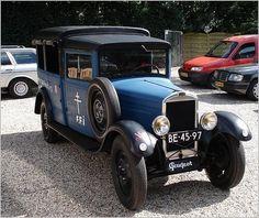 Peugeot 201 Camionette 1930 French Classic, Classic Cars, Vintage Cars, Antique Cars, Peugeot France, Psa Peugeot Citroen, Automobile, Veteran Car, Panel Truck