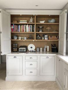Farmhouse Chic Kitchen Cabinets Storage New Ideas Open Plan Kitchen Living Room, Kitchen Dining Living, Home Decor Kitchen, Kitchen Interior, New Kitchen, Home Kitchens, Kitchen Ideas, Cozy Kitchen, Cupboard Design