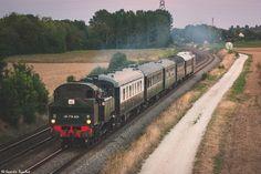 https://flic.kr/p/Ln4kBS | Locomotive à vapeur 141 TB 424 | Fin de journée, le…
