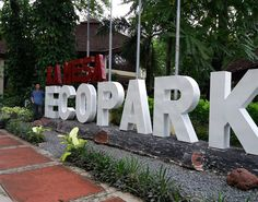 Do you love nature and green environment? The La Mesa Ecopark in Quezon City is . Green Environment, Quezon City, A Day To Remember, Pinoy, Park, Places, Outdoor Decor, Nature, Travel