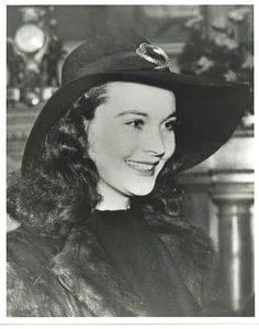 Vivien Leigh (1913 - 1967), born Vivian Mary Hartley