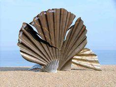 The Scallop, Aldeburgh - East of England - community action for sustainability - CASwiki Aldeburgh Beach, Maggi Hambling, Suffolk Coast, British Beaches, Unusual Art, Beaches In The World, Public Art, Sculpture Art, Outdoor Sculpture