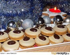Kávová kolečka s kofilovým krémem - My site Christmas Sweets, Christmas Baking, Christmas Candy, Slovak Recipes, Czech Recipes, Meringue Cookies, Le Chef, Biscuit Recipe, Holiday Cookies