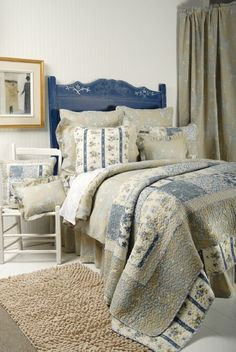 Decor Design in Owen Sound is all about interior decorating! Specializing in Drapery, Blinds, Bedding, and more! House Quilts, Duvet, Bedding, Blue Accents, Bed And Breakfast, Decoration, Comforters, Blinds, Interior Decorating