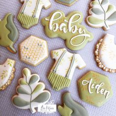 Babyshowers galore ... this time a 'leafy' one. . . . #babyshowercookies #leafbabyshower #onesiecookies #anakatjanacookies #talentedcookiers
