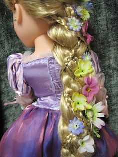 Never Grow Up: A Mom's Guide to Dolls and More!: Disney Princess and Me Rapunzel Braid Tutorial Rapunzel Flynn, Rapunzel Braid, Rapunzel Costume, Disney Rapunzel, Pretty Hairstyles, Braided Hairstyles, Doll Hairstyles, Disney Animators Collection Dolls, American Girl Hairstyles
