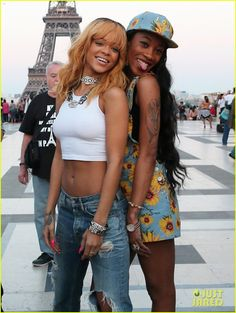Rihanna: Eiffel Tower Photos with BFFs Melissa & Jennifer! | rihanna eiffel tower photos with bffs melissa jennifer 17 - Photo