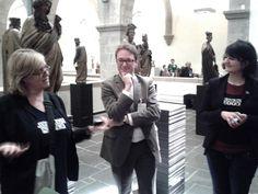 Dr. Hamann vom Museumsdienst Köln bei seiner Führung im Museum Schnütgen mit @Anke von Heyl und @Wibke Ladwig