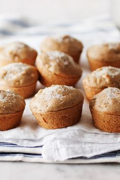 Moist & light, these easy apple muffins are perfect when you want a nice light breakfast and cup of coffee. They're simple, delicious, and healthy. Easy Apple Muffins, Healthy Apple Cinnamon Muffins, Best Apple Desserts, Apple Recipes, Snacks, Cookies Et Biscuits, Muffin Recipes, Love Food, Sweet Tooth