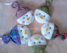 bonecos de neve em feltro ( enfeite de árvore de natal)