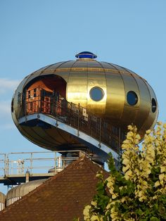Top of the Hundertwasser Tower in Abendsberg - Germany - Photo: lumbricus