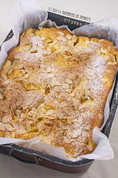 Breakfast at Tiffany's: Torta di mele svedese / Swedish apple cake link ---> http://libertycesca.blogspot.it/2014/12/torta-di-mele-svedese-swedish-apple-cake.html