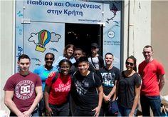Η ομάδα εθελοντισμού Αμερικάνικης Ευκολίας στηρίζει «Το Χαμόγελο του Παιδιού» Το χαμόγελο του παιδιού