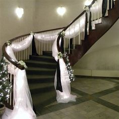 Brides imagine finding the perfect wedding ceremony, however for this they require the ideal bridal gown, with the bridesmaid's outfits enhancing the brides dress. These are a variety of suggestions on wedding dresses. Wedding Staircase Decoration, Wedding Stairs, Christmas Stairs Decorations, Arch Decoration, Marriage Decoration, Staircase Ideas, Home Wedding, Wedding Events, Wedding Ceremony