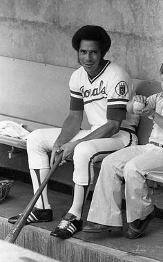 Amos Otis City Pride, Pro Baseball, Louisville Slugger, Kansas City Royals, Athletics, Mlb, Sports, Vintage, Hs Sports