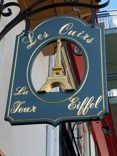 Les Cuirs de La Tour Eiffel -- Vieux Québec