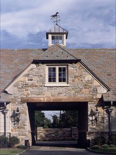 Magnificent Porte-Cochere - New English Manor House - Gladwyne, PA Porte Cochere, Horse Barns, Old Barns, English Manor Houses, Gate House, House Roof, Dream Barn, Traditional Exterior, Stone Houses
