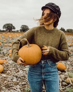 "129 Likes, 16 Comments - sarah mantelin (@sarahmantelin) on Instagram: ""My first time pumpkin patching! Unlike in the UK and US, halloween is not a huge deal in France so…"""