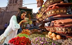 Dubai's Top Tourist Destinations Worth a Visit - Travel Help Honeymoon In Dubai, Dubai Beach, Dubai Shopping, Dubai Mall, Tourist Places, Tourist Spots, Souks In Dubai, Dubai Resorts, Beach Resorts
