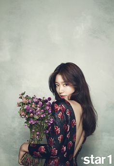 GIRL CANDY: New photos of Park Shin Hye as a gorgeous floral princess
