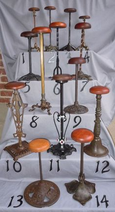 Old lamps? Turn them into nifty hat stands! Hat Display, Craft Show Displays, Craft Show Ideas, Wood Display, Display Ideas, Craft Font, Fascinator, Vintage Coat Rack, Hat Holder