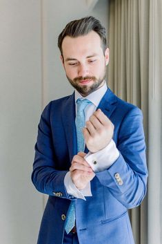 This royal blue groom suit is classy for spring wedding attire inspiration. The sky blue tie paired well with this groom wedding style. Groom And Groomsmen Attire, Groom Wear, Bridesmaids And Groomsmen, Colorful Weddings, California Wedding Venues, Spring Wedding Inspiration, Destination Wedding Planner, Outdoor Wedding Venues, Festival Wedding