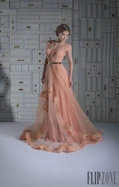 https://s-media-cache-ak0.pinimg.com/236x/23/05/eb/2305ebe3beeadf848e0f3d37e5ab94fd--evening-dresses--elegant-evening-dresses.jpg