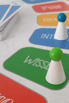 Ravensburger kNOW! mit Google Home Mini Google Home, Plastic Cutting Board, Mini, Parenting, School, Tips