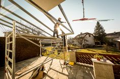 Christkindl-Aktion - Fenster Schmidinger erfüllt einen Traum von einem Sommergarten in Walding bei Oberösterreich! Infos unter www.fenster-schmidinger.at #Terrassenverglasung #Montage #Sommergarten #Oberösterreich #Fensterschmidinger