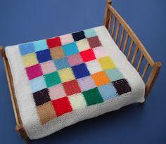 bitstobuy: Miniature knitted blanket for dolls house