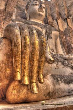 Buddha's hand Sukhothai, Thailand by Chaluntorn Preeyasombat, via Buddha Zen, Gautama Buddha, Buddha Buddhism, Giant Buddha, Buddha Face, Buddhist Temple, Buddhist Art, Religion, Laos