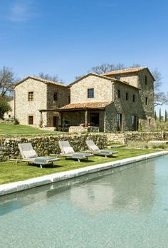 A beautiful tuscan farmhouse was renovated by interior architecture studio D. Mesure, nestled on a sprawling property of rolling hills in Tuscany, Italy. Italian Farmhouse, Italian Home, Italian Villa, Rustic Farmhouse, Tuscan Design, Tuscan Style, Villa Toscana, Design Toscano, Tuscan House
