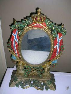 Meget spesielt antikk speil i ramme med krone og norsk flagg - Selges av tofte fra Sandnes på QXL.no