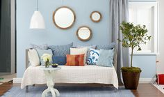 #Decorating a daybed just got a lot simpler. Click through for some foolproof lessons in #decor. #home