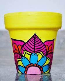 Flower Pot Art, Flower Pot Design, Painted Plant Pots, Painted Flower Pots, Pottery Painting, Pottery Art, Decorated Flower Pots, Clay Pot Crafts, Garden Deco