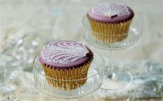 Burlesque baking: Sally Rand cupcakes