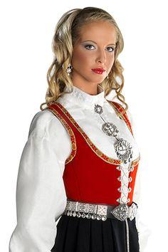 BUNADER - Vestfold Kvinnebunad fra Vestfold Folk Costume, Costumes, Theatre Shows, Medieval Dress, Ethnic Fashion, Female Form, Traditional Dresses, Beautiful Outfits, Norway