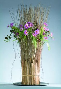 Floral Craftsmanship by Gregor Lersch - For more design inpiration, like: https://www.facebook.com/GlobalPetals