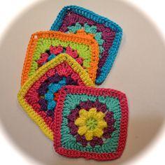 Crochet pattern granny square flower by littleduckcompany by Littleduckcompany on Etsy https://www.etsy.com/listing/188452006/crochet-pattern-granny-square-flower-by