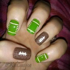 football nail art Football Nail Designs, Football Nail Art, Diy Nails, Cute Nails, Pretty Nails, Halloween Nail Designs, Halloween Nail Art, Halloween Decorations, Halloween Ideas