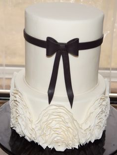 Black & white riffie cake