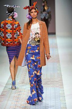 Stella Jean at Milan Fashion Week Spring 2014 - Runway Photos Stella Jean, African Inspired Fashion, African Fashion, Mode Wax, Mode Costume, Look 2018, Ghanaian Fashion, African Dresses For Women, African Women