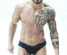 If you're wondering why so many Rugby players have tribal tattoos, areas that … – Tattoo Styles & Tattoo Placement Types Of Tribal Tattoos, Tribal Chest Tattoos, Tribal Turtle Tattoos, Tribal Tattoos For Men, Tribal Tattoo Designs, Arm Tattoos For Guys, Trendy Tattoos, Geometric Tattoos, Feminine Tattoos