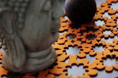 Bieżnik filcowy Budda Flowers od www.filcocuda.pl