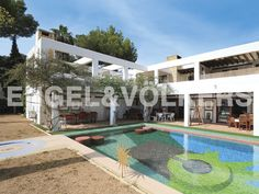 NEW PROPERTY OF THE WEEK: Artist Villa in first line to the Golf Course #ibiza