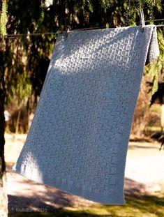 Nuppu-peitto – Lankakauppa Koukuttamo Baby Knitting, Bliss, Blanket, Layette, Tricot, Egg, Blankets, Shag Rug, Comforters