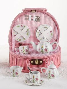 Rounded Wicker Childs Tea Set Bird House