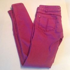 Final Price Free People Jeans Soft and worn in feel to them. Size W Hard to describe the color. Sort of a dusty magenta. Purple Jeans, Free People Jeans, Fashion Tips, Fashion Design, Fashion Trends, Magenta, Skinny Jeans, How To Wear, Color