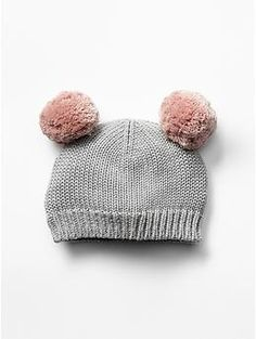 Bear pom-pom hat from Baby Gap is such a sweet accessory for a holiday session!