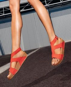 Nothing like being comfortable and chic shlepping to and from work!  fitflop sandle shoes for summer, it is necessary at this season!